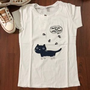 Tops - White T-shirt with cat embroidery